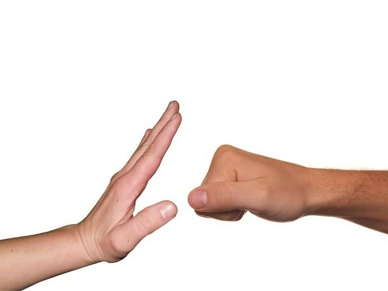 Réagir et intervenir pour rétablir les comportements adaptés